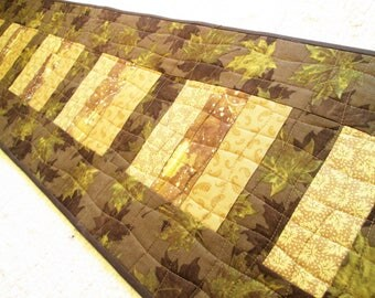 Quilted Autumn Leaves Contemporary Farmhouse Rustic Table Runner