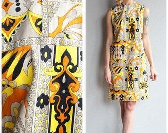 20% Off Sale // 1960s Dress // John Abbott Shift Dress // vintage 60s shift dress