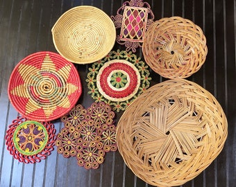 Vintage set of 8 Colorful Wicker Baskets and Trivets for Basket Collage Wall Straw Rattan Wall Baskets