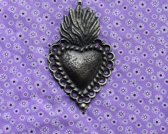 Ex votos Charms Milagro Large Sacred Flaming Heart With Loops Milagro Nicho