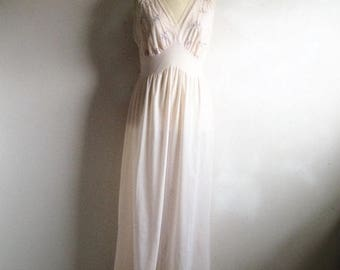 50OFF Event Vintage 1970s Pink Negligee VAN RAALTE 70s Pink Embroidered Chiffon Night Gown 36