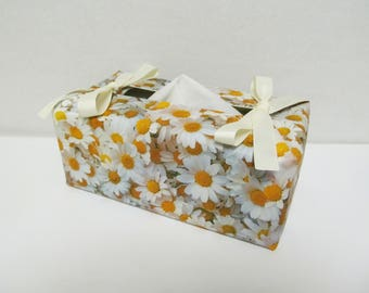 Tissue Box Cover/Daisy x Ivory Ribbon