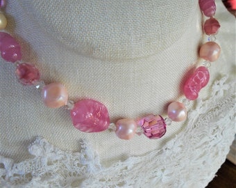 Vintage pink glass necklace Art glass givre beads 1950s beaded necklace faceted Austrian crystal with extender