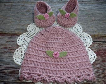 Crocheted Baby Booties with Matching Hat, Dusty Rose Baby Booties, Dusty Rose Crocheted Baby Hat, Mauve Crocheted Baby Booties