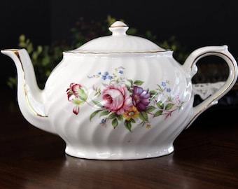Vintage Teapot, Arthur Wood Tea Pot, Large 4 Cup Capacity Pot, Oval with Swirl Ribbing 13996