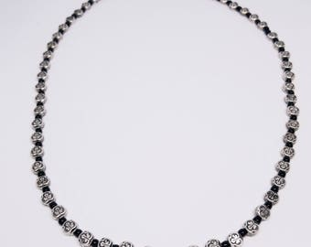 Silver & black bead casual necklace