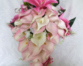 Calla lily Star Gazer lily with beauty pink lilacs and hydrangea cascading bridal bouquet