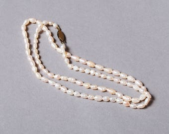 Vintage freshwater pearl necklace.