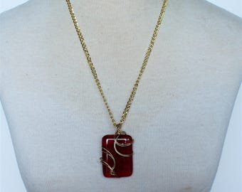 Vintage Goldtone Red Art Glass Rectangle Pendant Geometric Clear Gold Tone Wire Wrapped Twist Curb Chain Matinee Length Necklace
