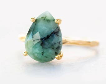 Green Raw Emerald Ring Gold, May Birthstone Ring, Gemstone Ring, Stacking Ring, Gold Ring, Tear Drop Ring, Prong Set Ring, Gift for Her