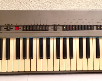 Silver Bontempi Synthesizer and Drum Machine Home Organ Synth