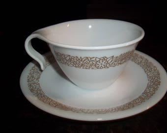 4 corelle Hook Handle Cups  and 4 Saucers Woodland