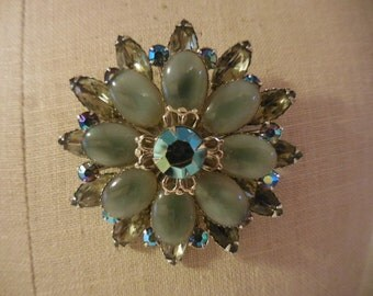 Vintage 1950s to 1960s Silver Tone Large Brooch/Pin Rhinestone Grey/Gray/Iridescent Cabochons Retro Sparkly