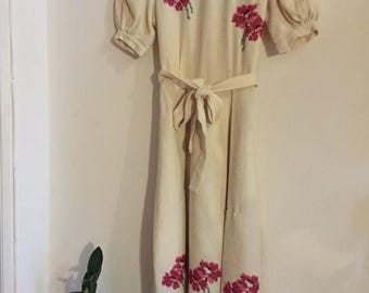 ON SALE Vintage  40s handmade white embroidered dress xxs xs