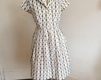 ON SALE Vintage 50s dress shirtdress with novelty print M