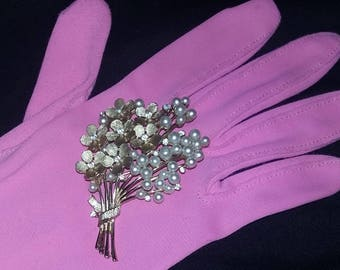 Vintage signed Crown Trifari pin brooch Summer Flowers rhinestone pearls Chic