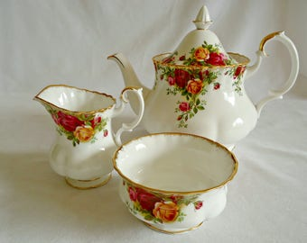 Royal Albert Teapot Cream and Sugar Old Country Roses 1962