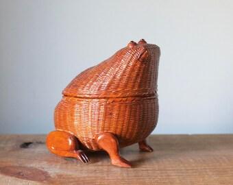 Vintage Wicker Rattan Frog Basket with Lid
