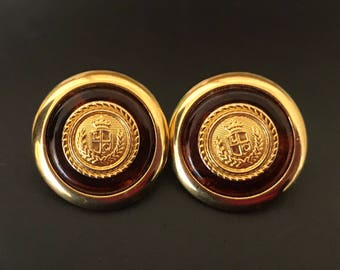 Classic Vintage Signed Liz  Claiborne Gold Plated Disc Pierced Earrings With Faux Tortoise Brown Ring
