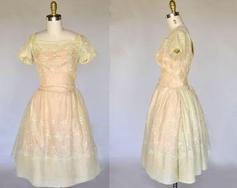 50s dress | vintage 50s peach floral dress | full skirt, swiss eyelet design