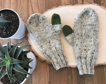 Green thumb Mitten with beige - Handmade gift  - stocking stuffer Ready to ship - Fast shipping
