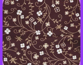 Vintage Quilting FABRIC Cotton Flowers and Vines Fat Quarter FQ