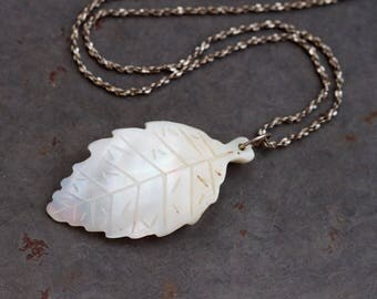 White Leaf Necklace - Carved Mother of Pearl Pendant on short chain - Vintage Natural Jewelry