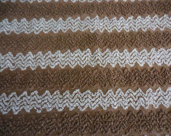 """Cabin Craft BROWN and White Needletuft Chenille ZIG ZAG Designs Vintage Chenille Bedspread Fabric - 24"""" X 24"""""""