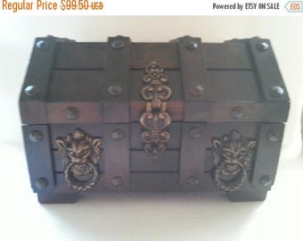 On Sale 1950's 1960's Vintage Home Decor Collectible Jewelry Box Lion Mid Century Man Cave Modern Trinket Treasure Chest