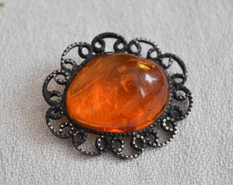 Vintage Genuine cognac Baltic Amber Brooch.