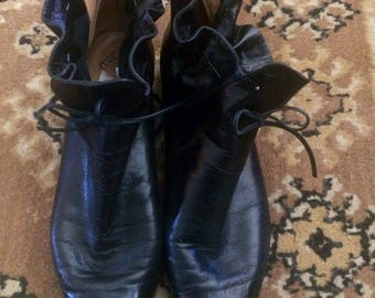 WOmens vintage black leather ankle boots booties size 8 8.5