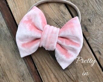 Pink Crushed Velvet Hair Bow Baby Girl Headbands Nylon Bow Headbands Newborn Headbands Photography Props Girls Hair Bows Baby Headbands