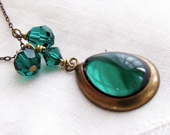 Emerald Green Necklace Bronze Brass Jewelry Swarovski Crystal Green Glass Vintage Pendant Bridesmaid Necklace Rustic Wedding Jewelry