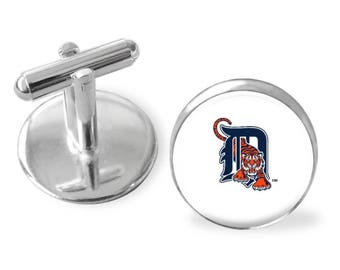 Sporty gift, Detroit Tigers cuff links gift, Groomsman gift, Father's Day gift, gift under 25, baseball cufflinks, gifts for men, pro ball