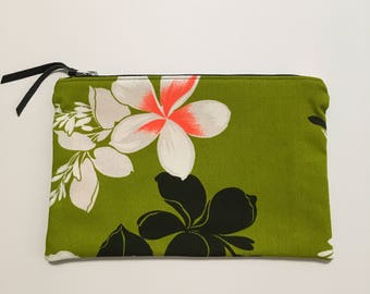 Handmade in Hawaii // Clutch // Beach Clutch // Make Up Clutch // Vintage Green #1