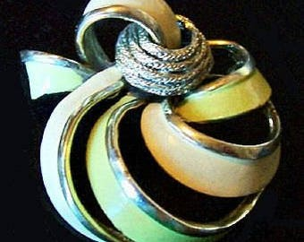 """Lime Green Abstract Swirl Brooch Signed Coro Pegasus Enamel Paint Gold Metal 2 1/4"""" Vintage"""