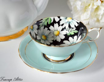 Paragon Teacup and Saucer Set With Daisy Flowers, Bone China Tea Cup Set With Daisies, ca. 1952-1960