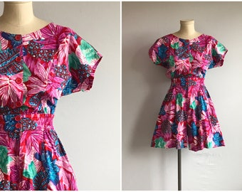 Vintage 1980s Shorts Romper / 80s Fuchsia Pink Tropical Print Short Jumpsuit Play Suit