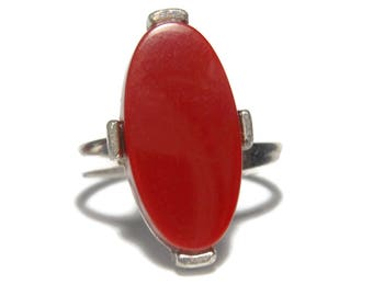 Sarah Coventry ring,  red oval adjustable cocktail ring, silver tone shank, 1970s art deco revival