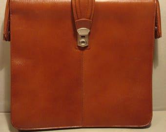 Vintage 1970s Tan Leather Old School Briefcase