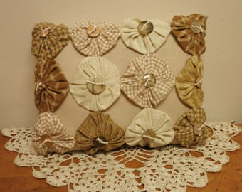 Yo Yo Pillow with Buttons, Primitive Pillows, Decorative Pillows, Mini Pillows, Accent Pillows, Handmade Pillows, Country Farmhouse Decor