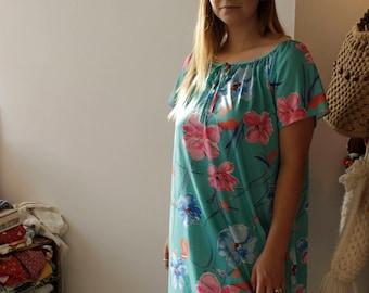 Adorable Vintage Hawaiian dress XS-M