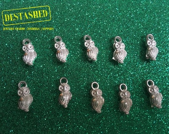 Quizzical Owl Acrylic Charms Wholesale Lot 10 Pieces