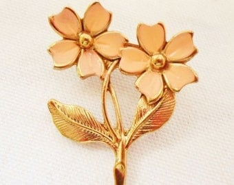 ON SALE Vintage Peach Flower Brooch, Goldtone, Small Brooch, Collectible, Jewelry, Pin, Accessory, Bridal Brooch Bouquet