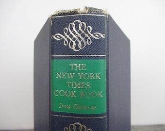 The New York Times Cookbook, Vintage Cookbook, Vintage Recipes, Retro Cooking, Classic Cookbook, Retro Cookbook, Craig Claiborne