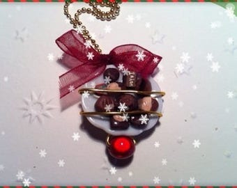 Chocolate Christmas ref 185 plate pendant necklace