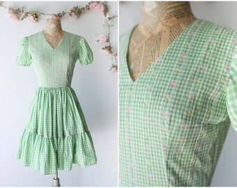 Pastel Gingham Square Dance Dress - Green and White Full Skirt Tea Party Dress with Floral Details - Girly Kawaii 1970's Dress - Size Small