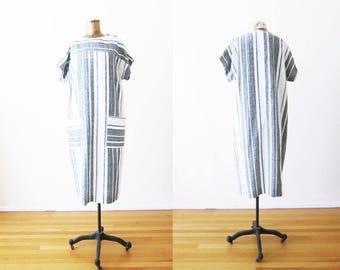 Striped Dress / Black White Striped Dress / Shift Dress / 70s Dress / Minimalist Dress / Minimalist Fashion / Boxy Dress /  Maxi Dress