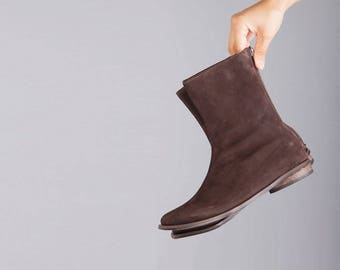 Brown mid stitch women boots, Mediume hightBrown leather women boots, winter boots, classic brown boots