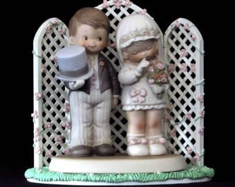 Wedding Cake Topper - Bride and Groom Figurine with Arched Rose Covered Trellis - Memories of Yesterday - Special Keepsake Memorabilia